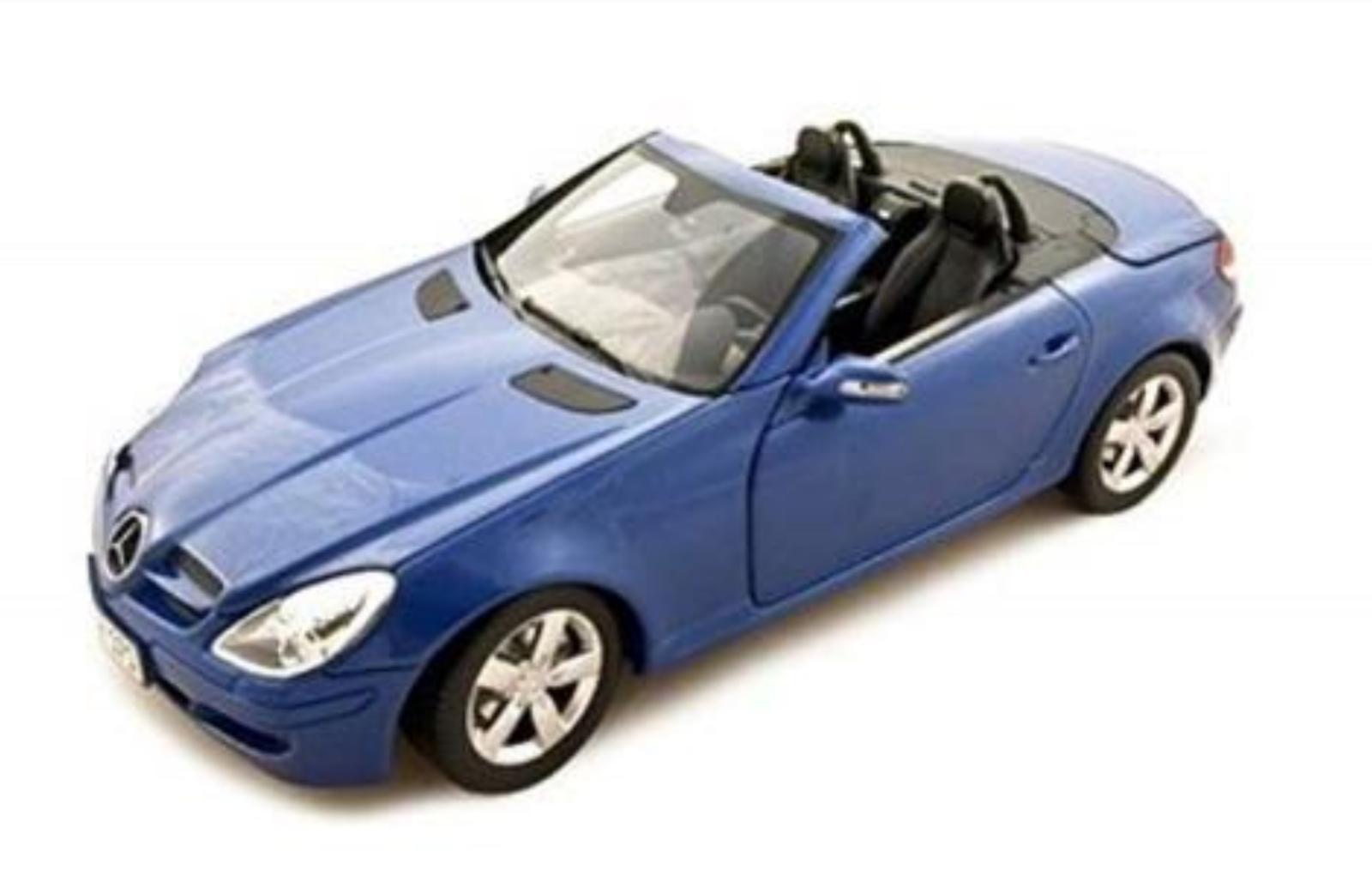 1 18 Mercedes SLK 2004 1 18 • Minichamps 100033131