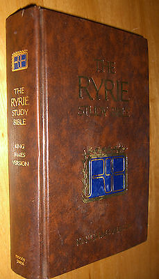 The Ryrie Study Bible King James Version: With Introductions, Annotations, Moody