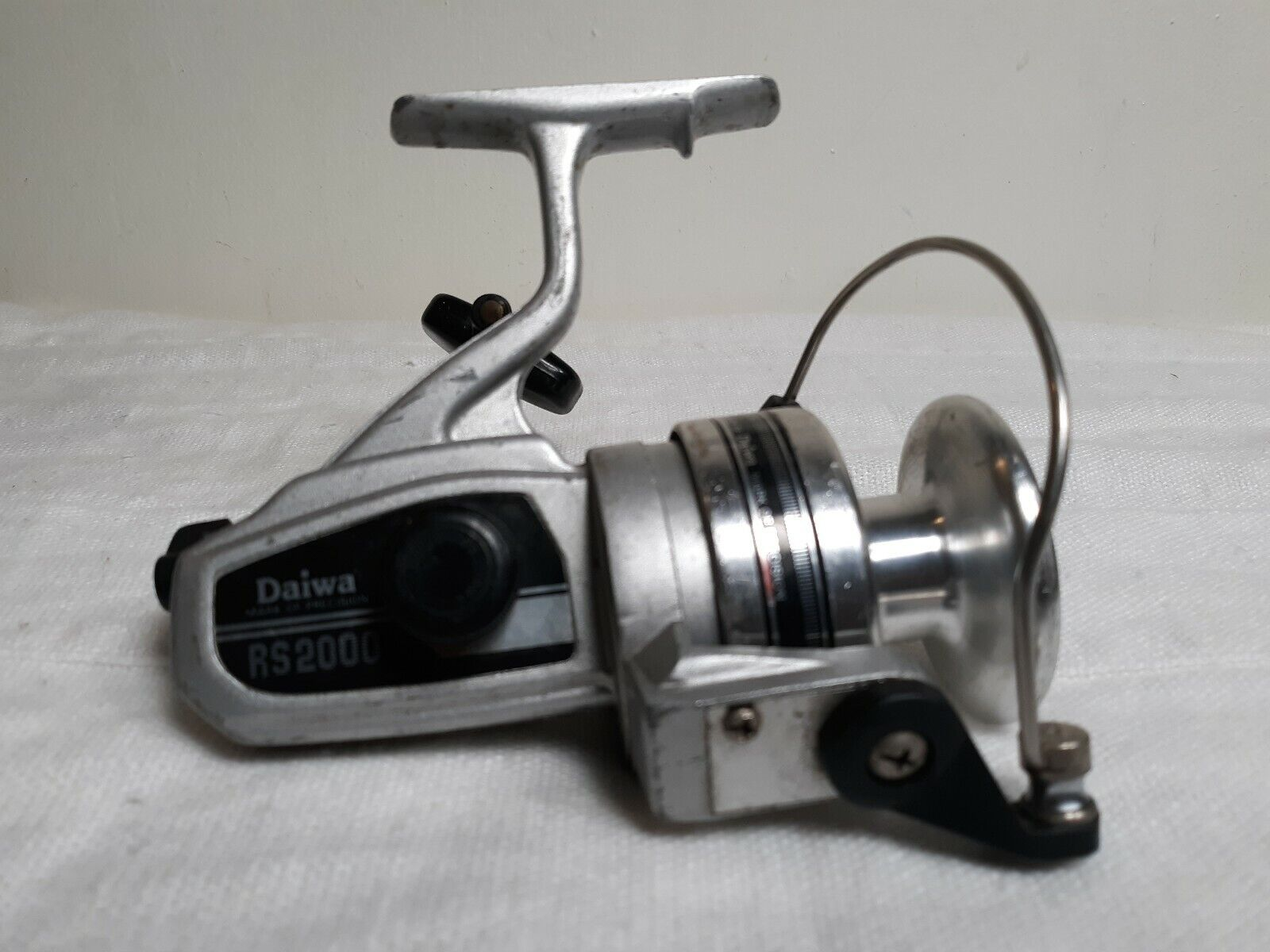 EARLY DAIWA RS2000 LARGE SIZE SPINNING REEL - FRESH & SALT WATER ANGLING