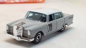 Mercedes-Benz-220-se-Sedan-1962-escala-1-64-por-Matchbox