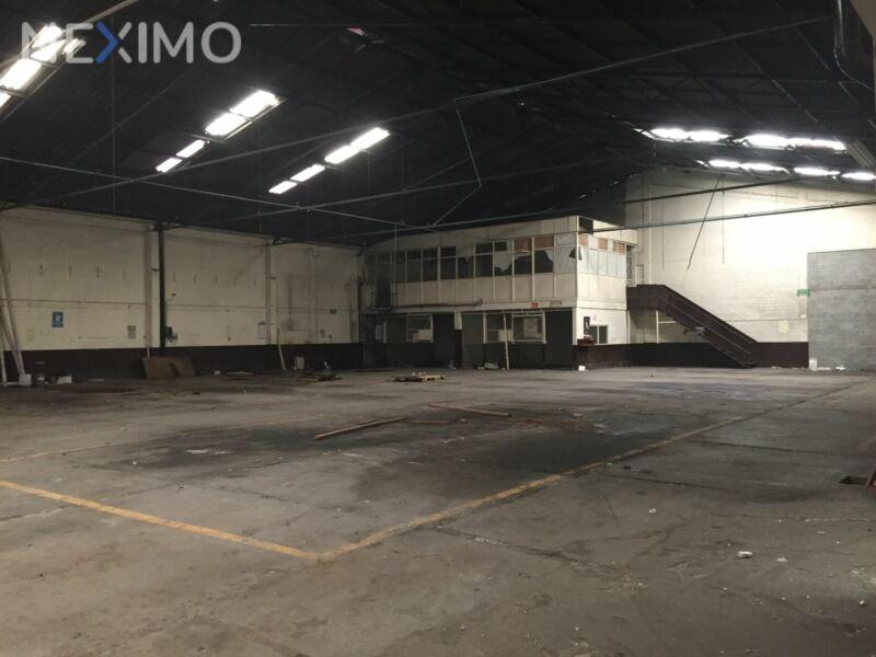 Renta de bodega comercial en la Colonia Pensil, CDMX