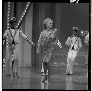 ALICE FAYE WITH DANCERS The Hollywood Palace 1967 OLD TV PHOTO 9