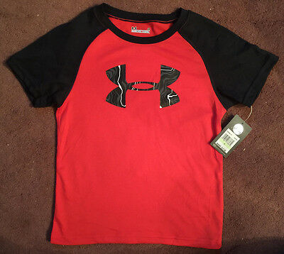 Under Armour Boys S//S Gray /& Black Top Size 4 5 $17.99