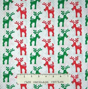 Fabric-Traditions-Christmas-Red-amp-Green-Reindeer-on-White-Cotton-YARD