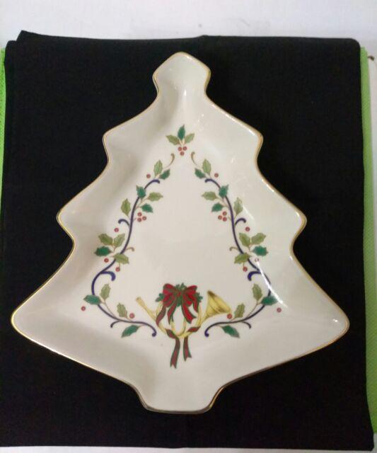 "Mikasa Fine Porcelain Xmas Tree Dish~HOLIDAY ELEGANCE~FK001 8"" Tree Candy Dish"