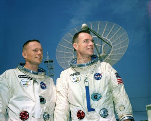 8X10 NASA PHOTO AA-608 GEMINI 8 ASTRONAUTS NEIL ARMSTRONG AND DAVE SCOTT