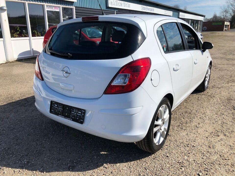 Opel Corsa 1,2 16V Enjoy Benzin modelår 2009 km 111000