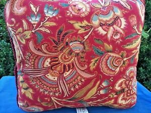 WAVERLY-Pillow-FRENCH-PROVINCIAL-Paisley-Red-Burgundy-RETIRED-DESIGN-15-inch