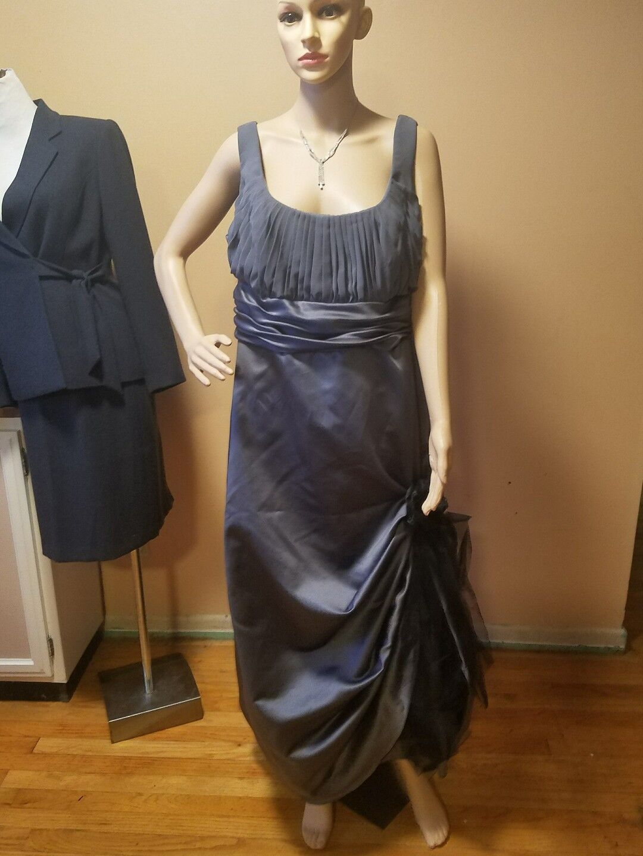 David's Bridal bridesmaid dress gray sleevelsss full length bust 46 waist 42