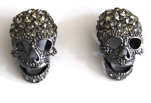 Butler y Wilson Plata Cristal cráneo Cruz pendientes Nueva