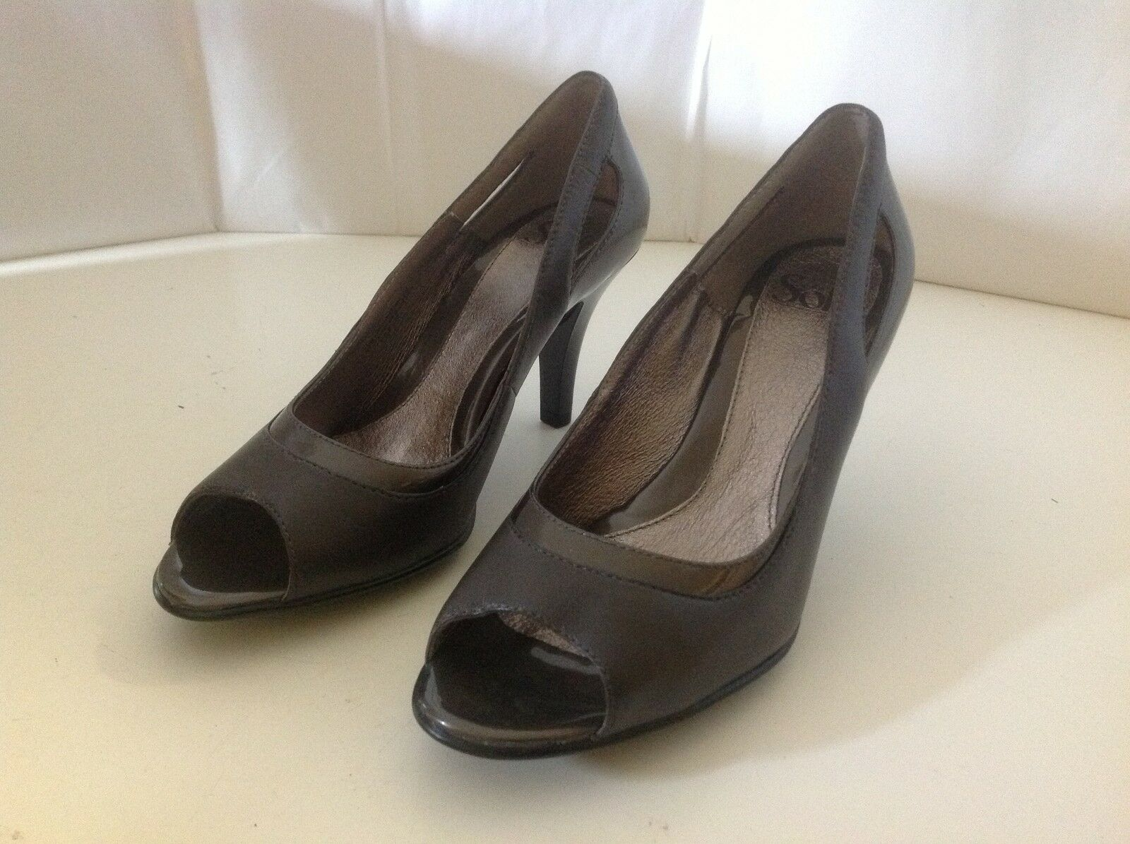 Sofft schuhe GEmini Taupe grau New 8 1 2 M schuhe Sofft Open Peep Toe Leather Heel Pump Patent 16ad2d