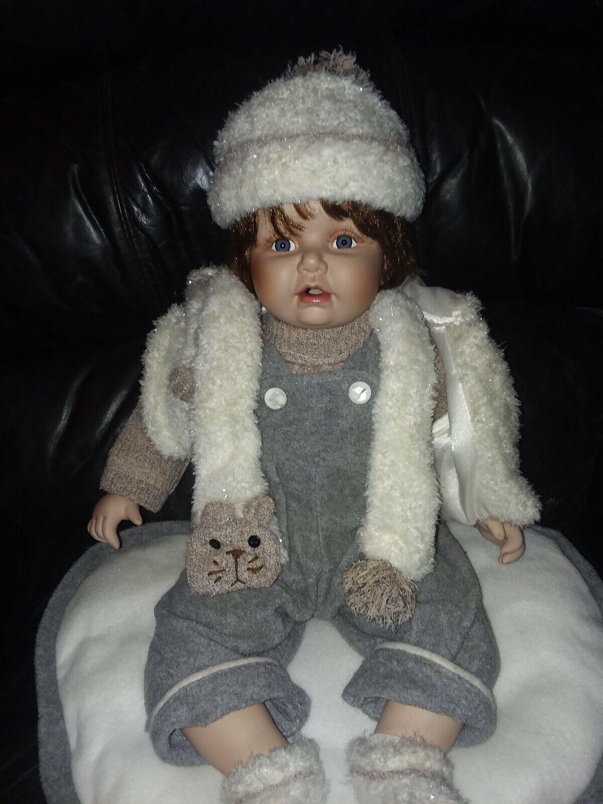 Cathay Collection Sitting  Porcelain bambola 22  in Original Outfit 1 - 3000  spedizione veloce e miglior servizio