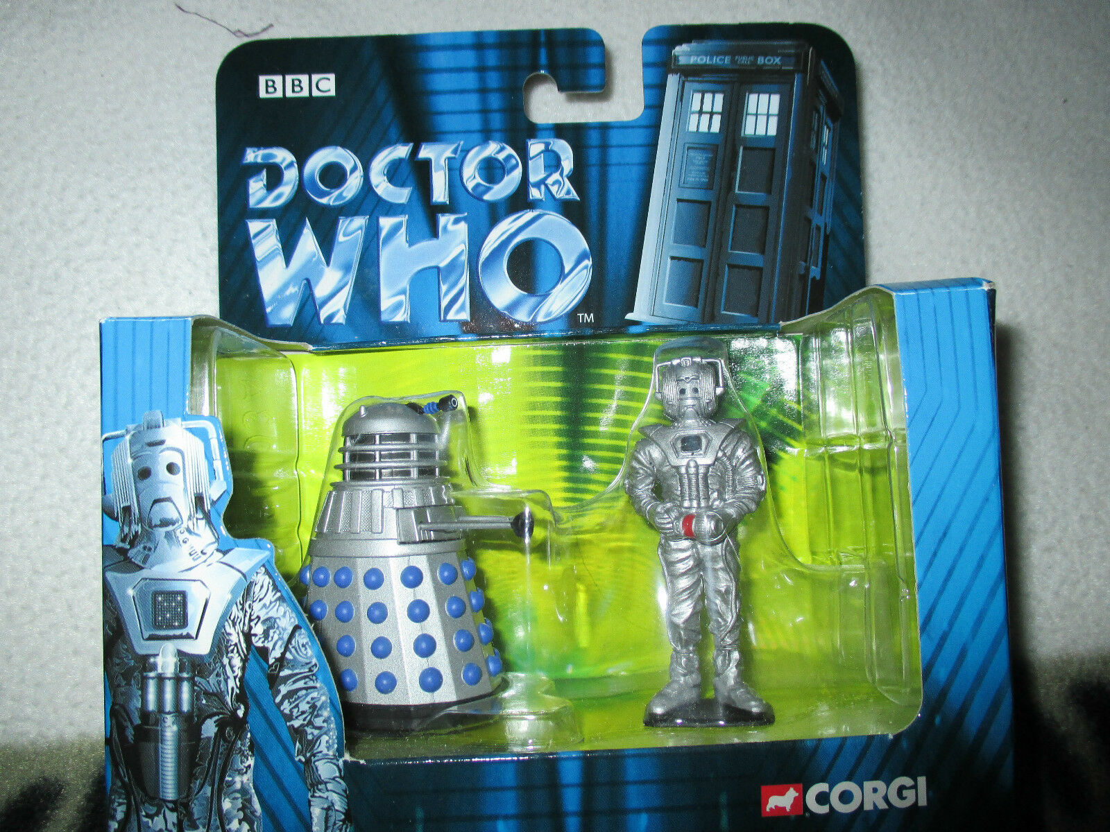 Doctor who Corgi diecast dalek and cyberman set