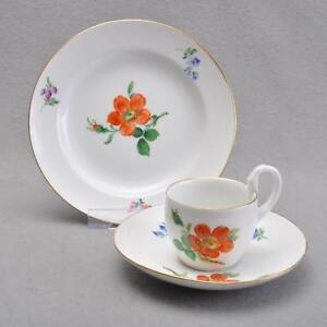 Meissen-Schwanenhalshenkel-3tlg-Kaffeegedeck-Blume-1-rote-Heckenrose