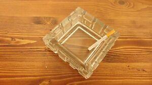 Elegante-POSACENERE-IN-CRISTALLO-dal-design-moderno-forma-quadrata-cm-14-circa