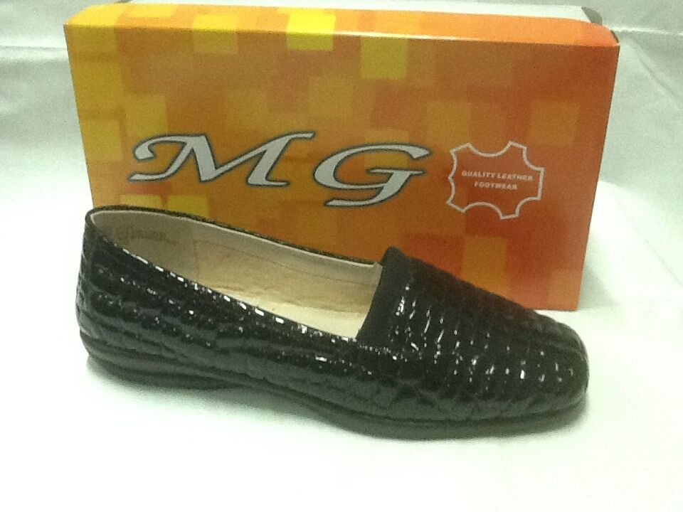 ladies slip on shoes MG Marcell black patent size 6