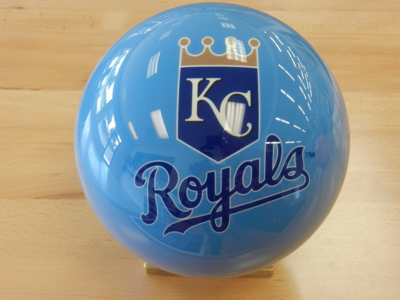 NIB 15OTB Major League Baseball Kansas City Royals Bowling Ball