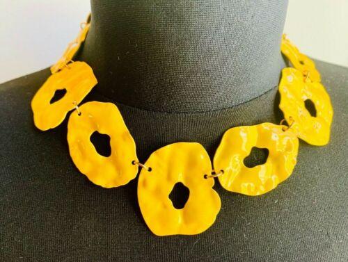 Zara Hermoso Martillado Amarillo Brillante enormes círculos Collar Gargantilla Cuello vínculos