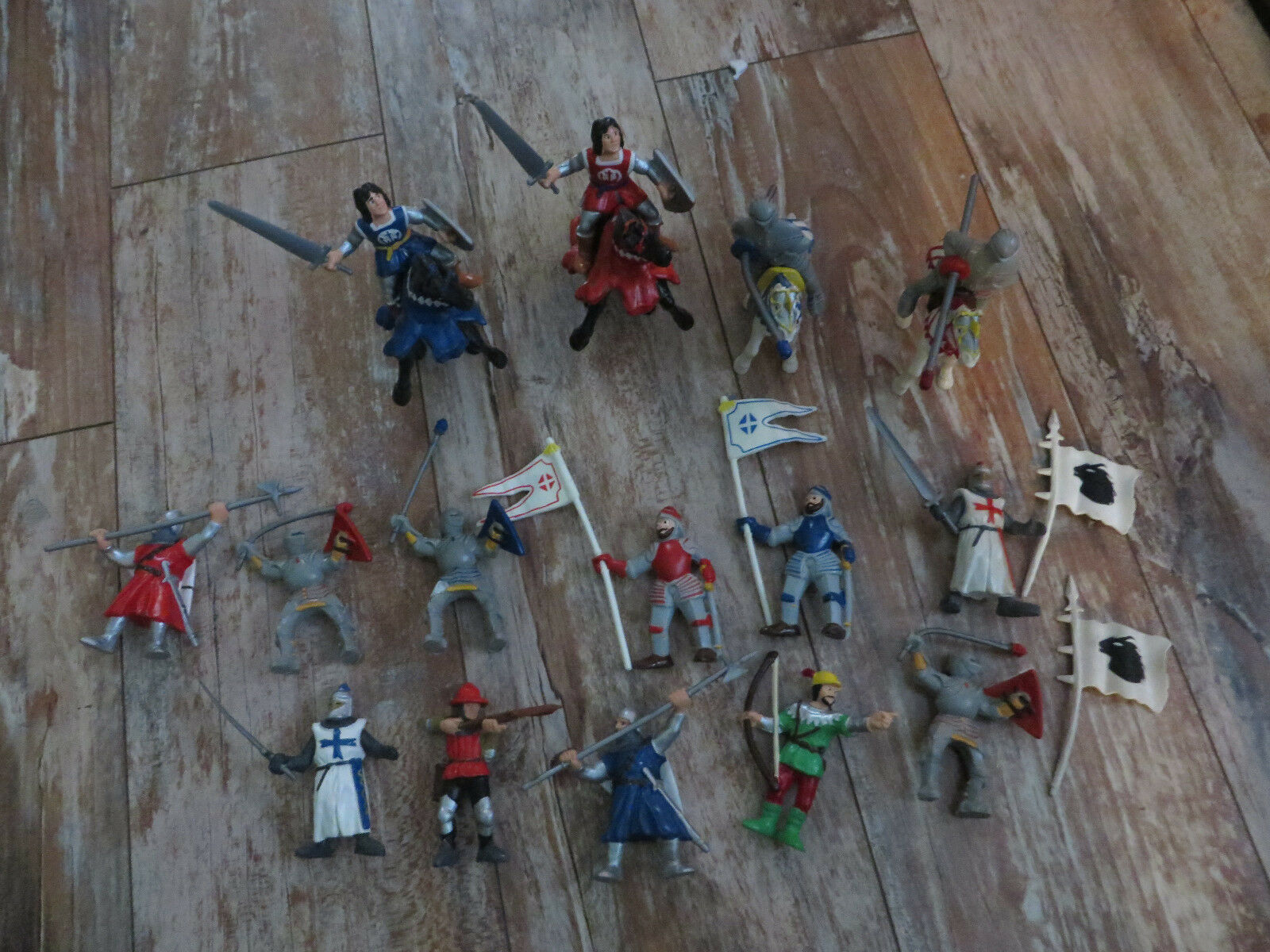 19 BULLYLAND MEDIEVAL KNIGHTS HORSES FIGURES FIGURINES NOT PAPO SCHLEICH