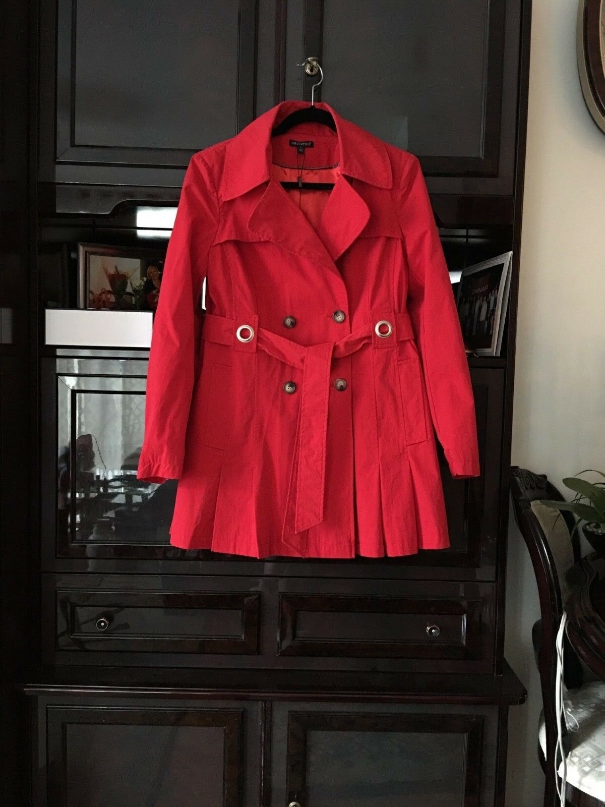 NWT  WOMENS RED RAIN COAT, SIZE LARGE