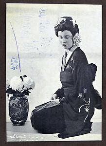 Fotografia-con-Autografo-del-soprano-Magda-Olivero-1954