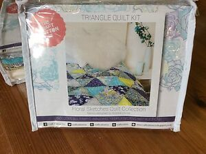 Triangle-Patchwork-Quilt-Kit-Fabric-Batting-amp-Instructions-Inc-Paper-Template