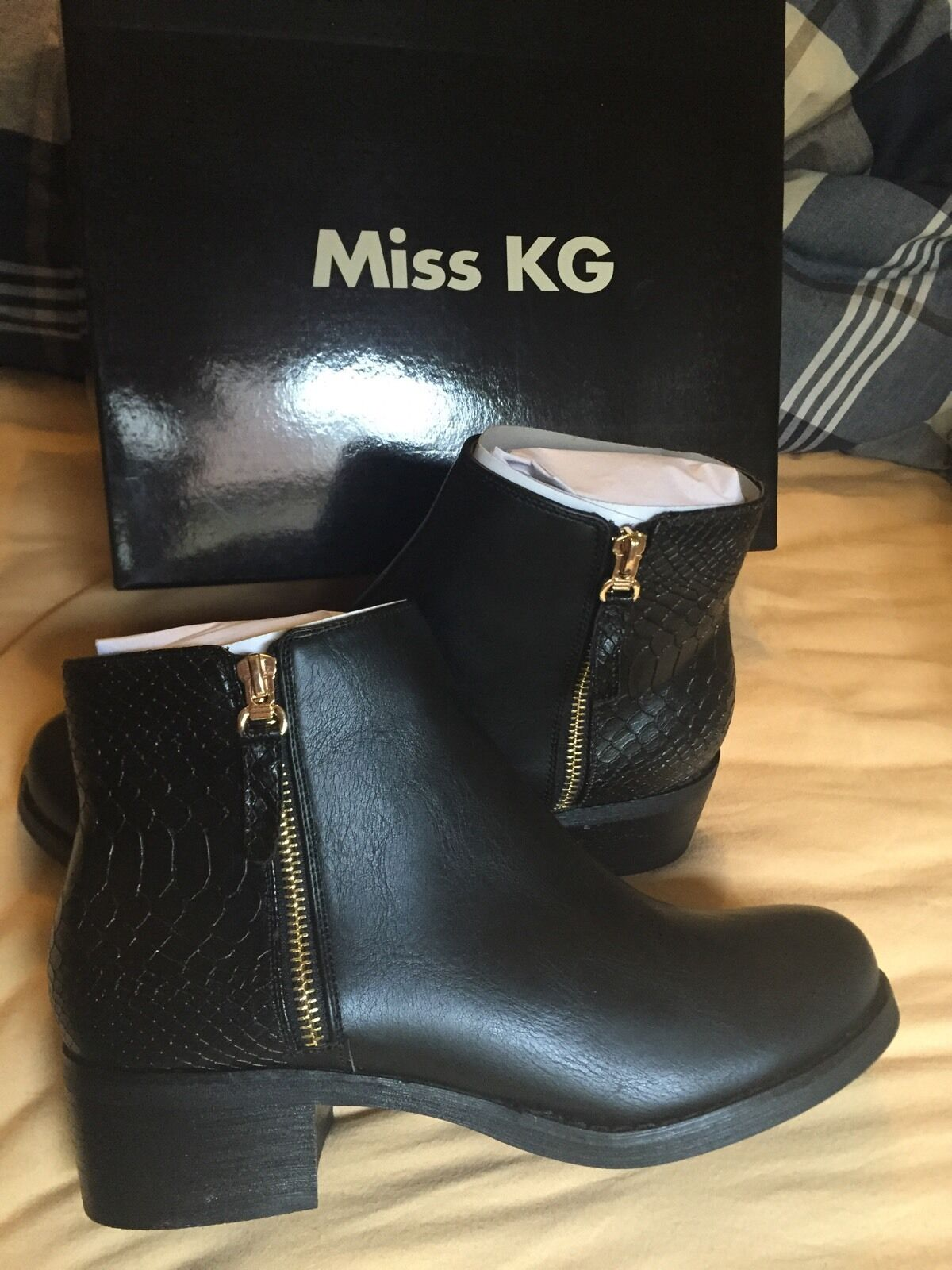 Miss KG chaussures noires Bottines Taille UK 4 Euro 37  85 £