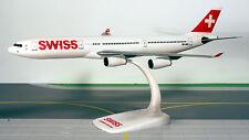 SWISS A340-300 1:200 Herpa Snap-Fit Flugzeug Modell 610117 NEU A340 Schweiz