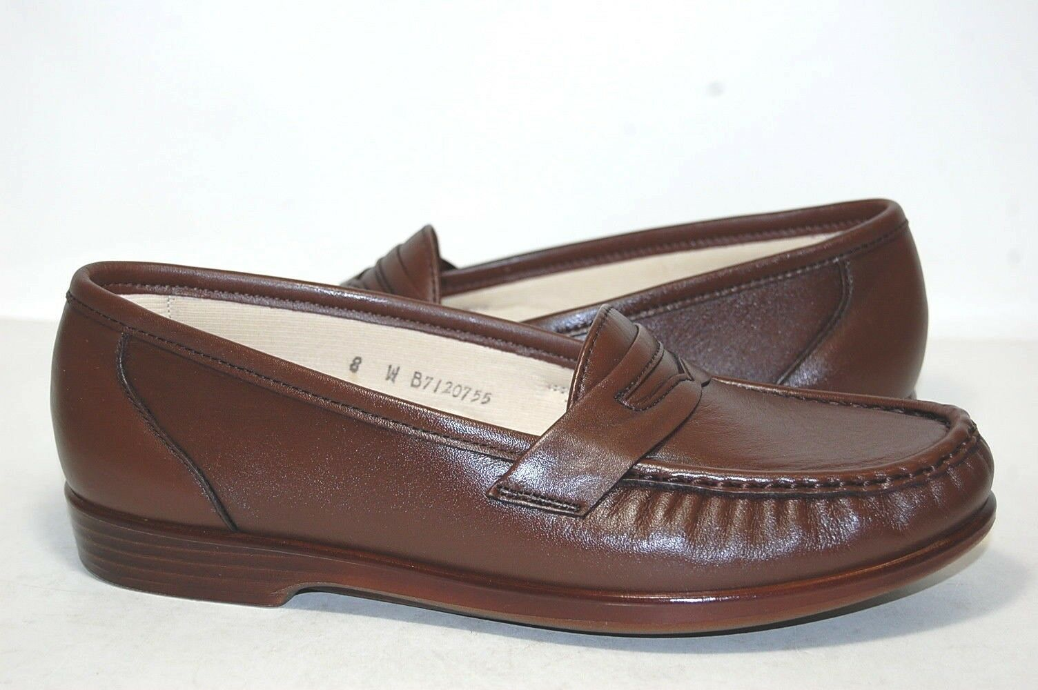 Original SAS Wink Antique Walnut Pelle W wide 0094-068 Donna