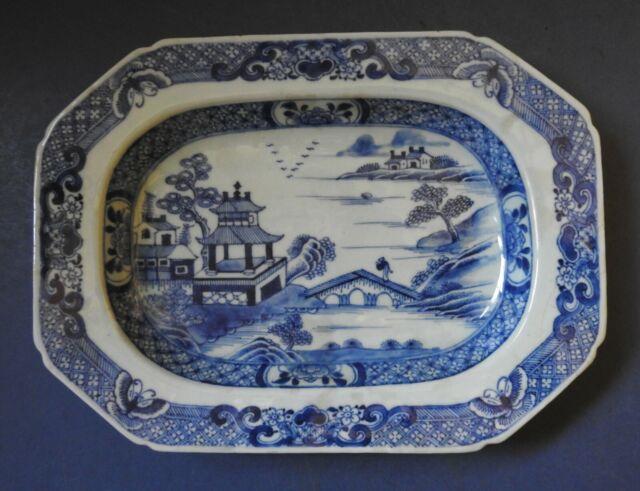 CHINESE PORCELAIN BLUE & WHITE RECTANGULAR DISH - QIANLONG PERIOD - 18TH CENTURY