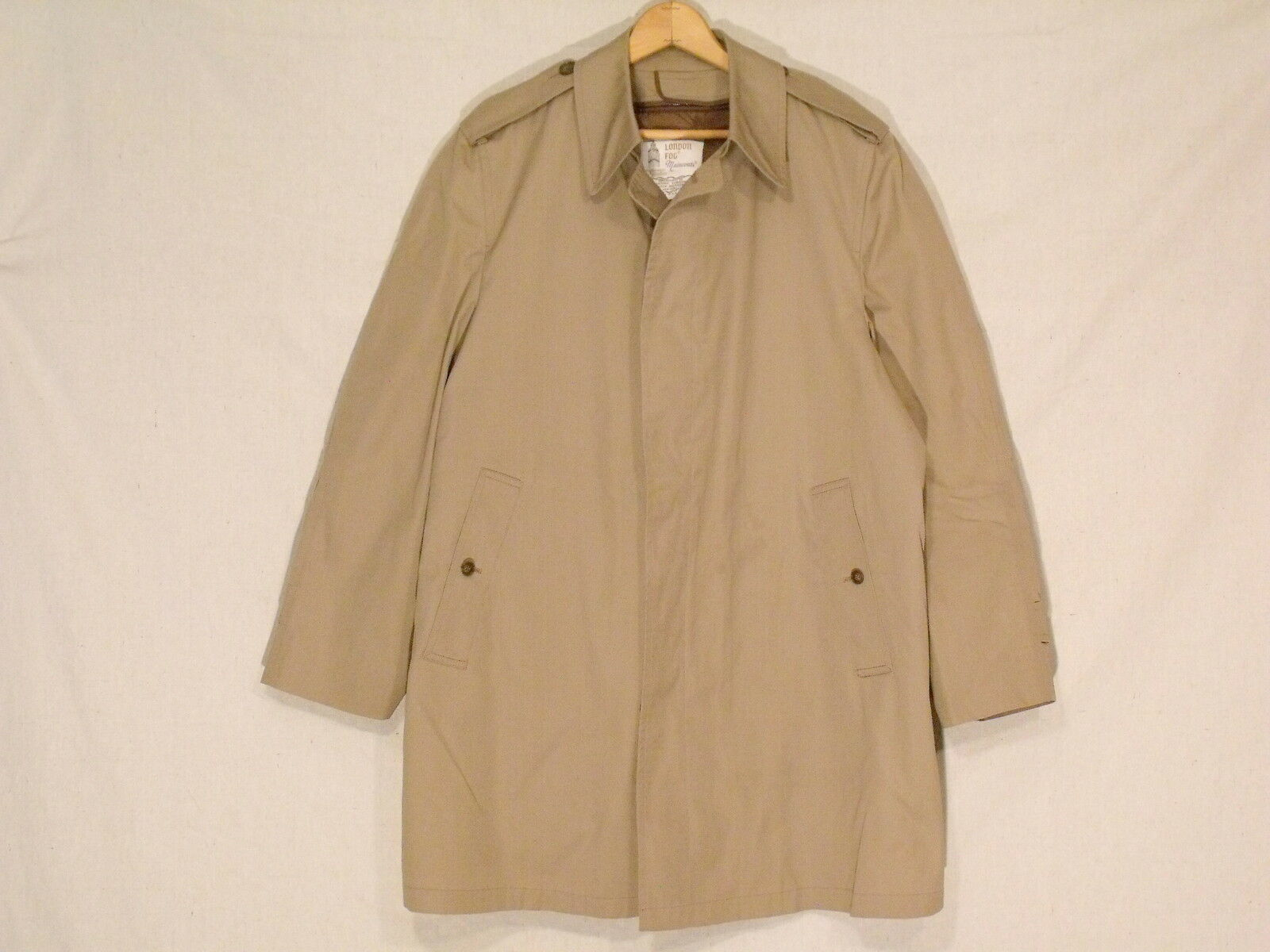 535113d66bee3 London Fog Maincoats midlength lined button trench coat 42R fantastic b14