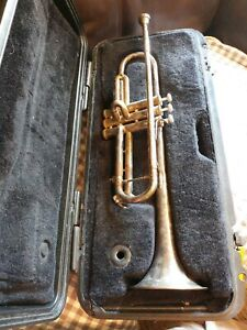 Bach TR300 Student Trumpet w/ Benge 7C Mouthpiece and Selmer Case, Needs Cleaned
