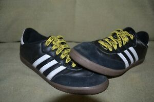 ADIDAS Boys SAMBA Indoor Soccer Shoes