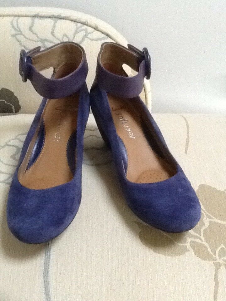 Clarks softwear two tone Blau suede and Leder wedge with ankle strap UK 3