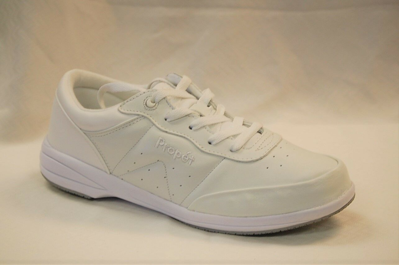 Propet W3840SR White Washable Walker Slip Resistant Women's size 8 medium