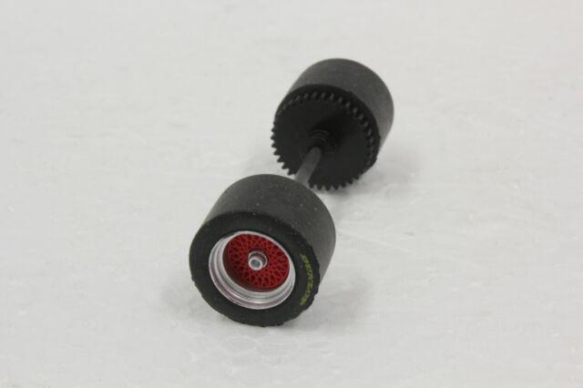 AutoArt SLOT CAR PART 13046 Rear Axle /& Wheel Set FOR NISSAN FAIRLADY 1//32