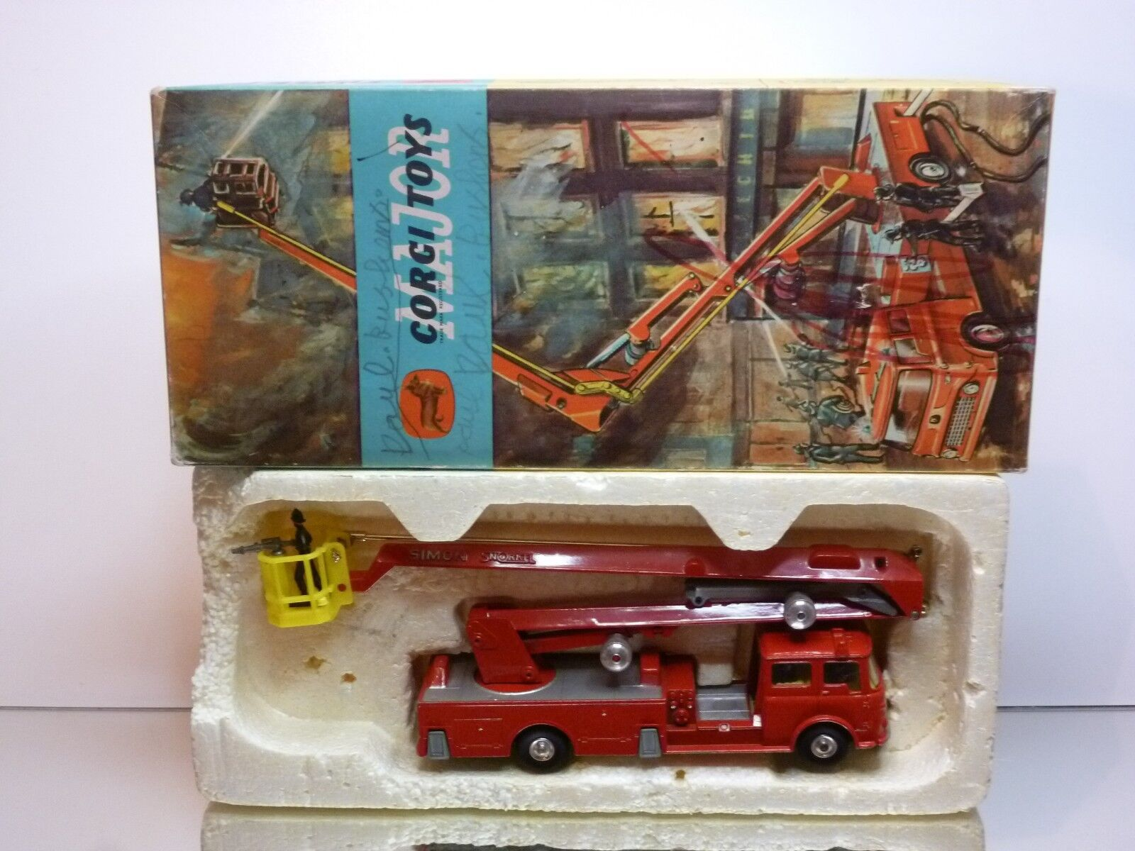 CORGI TOYS 1127 BEDFORD SIMON SNORKEL FIRE ENGINE - VERY GOOD IN BOX