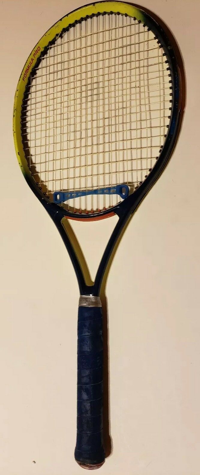womeny Formula Pro Tennis Racquet