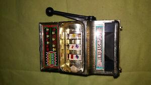 Rare and vintage piggy bank waco 1950 mini jackpot metal/plastic
