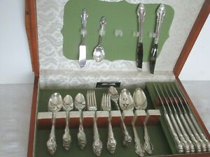 HOLMES-amp-EDWARDS-DEEP-SILVER-FLATWARE-60-PC-SET-SILVERPLATE-034-SILVER-FASHION-034-PAT