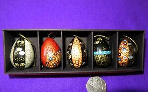 Christmas-Tree-Ornaments-KLIMT-EGGS-Russian-Doll-Set-5-GOLD-BLUE-BLACK-design