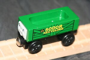 RECYCLE-TRAIN-Sodor-Recycling-THOMAS-WOODEN-Fits-ALL-WOOD-TRAIN-TRACK