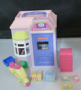 Fisher Price Loving Family SWEET STREETS Post Office with accessories