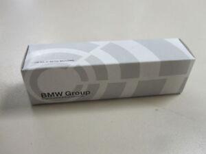 Original Zündkerze BMW e31 840i 840ci 8er Zündkerzen Satz Neu 12 12 9 064 619