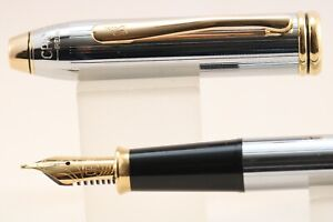 Vintage Cross Townsend Medalist Medium Fountain Pen, Gold Trim Brillant