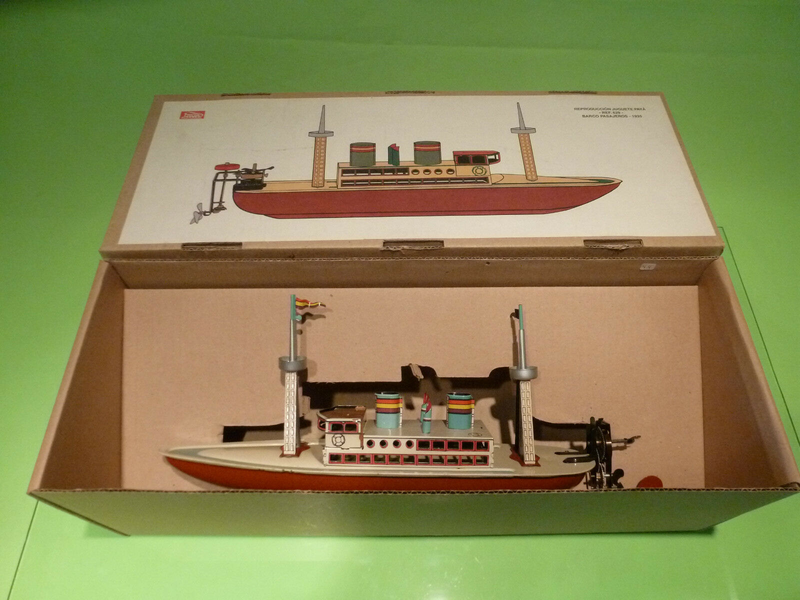 PAYA BOAT SHIP  BARCO PASAJEROS  1935 - TIN TOYS BLECH    - GOOD CONDITION