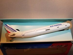 WOOSTER-MODELS-W272-AIR-FRANCE-A300-1-250-SCALE-PLASTIC-SNAPFIT-MODEL