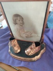 Bronzed-Baby-Shoes-on-Stand-with-Picture-Frame-1930-039-s-1940-039-s-Vintage-Antique