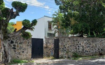 Venta de Terreno en Fraccionamiento Burgos Cuernavaca, Morelos.