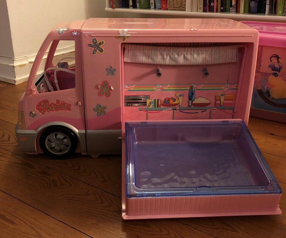 Barbie, Autocamper, dukker og heste